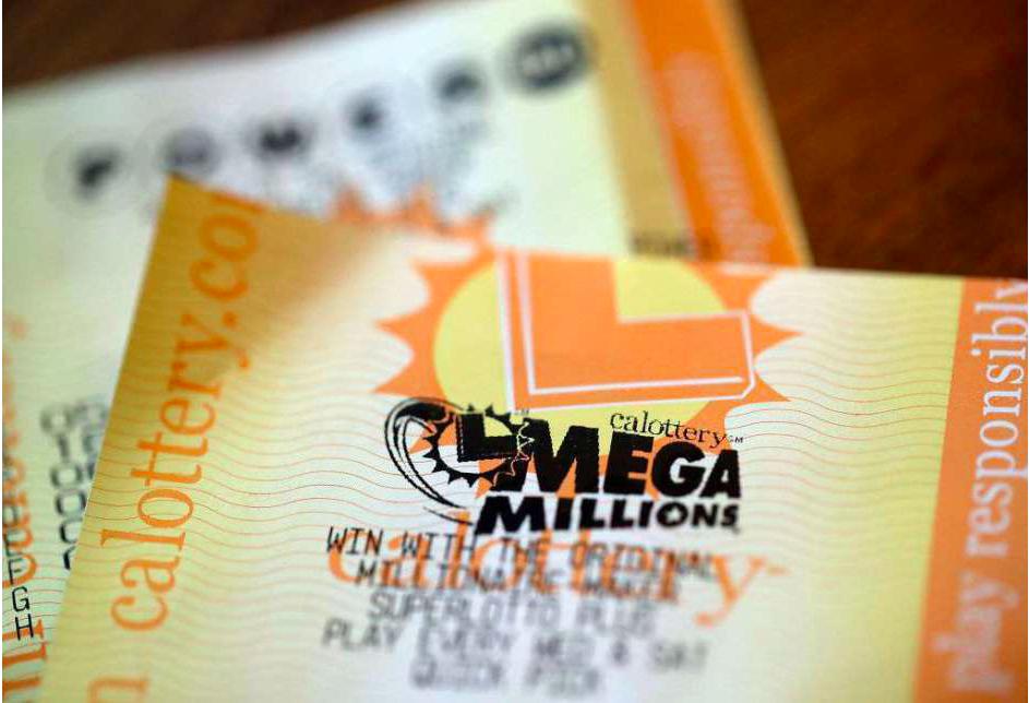 Grupo de una oficina gana el mayor premio de la Lotería de California: $543 millones